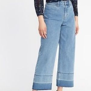 Mid-Rise Distressed Straight Ankle-Jeans